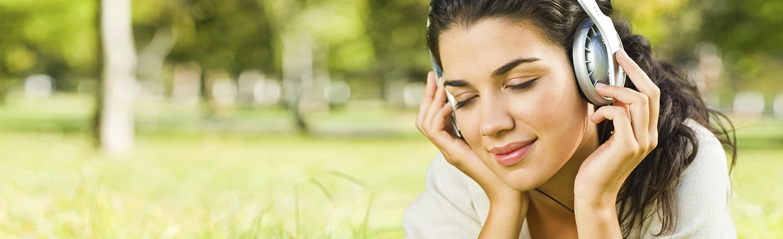 listening_in_grass_wide